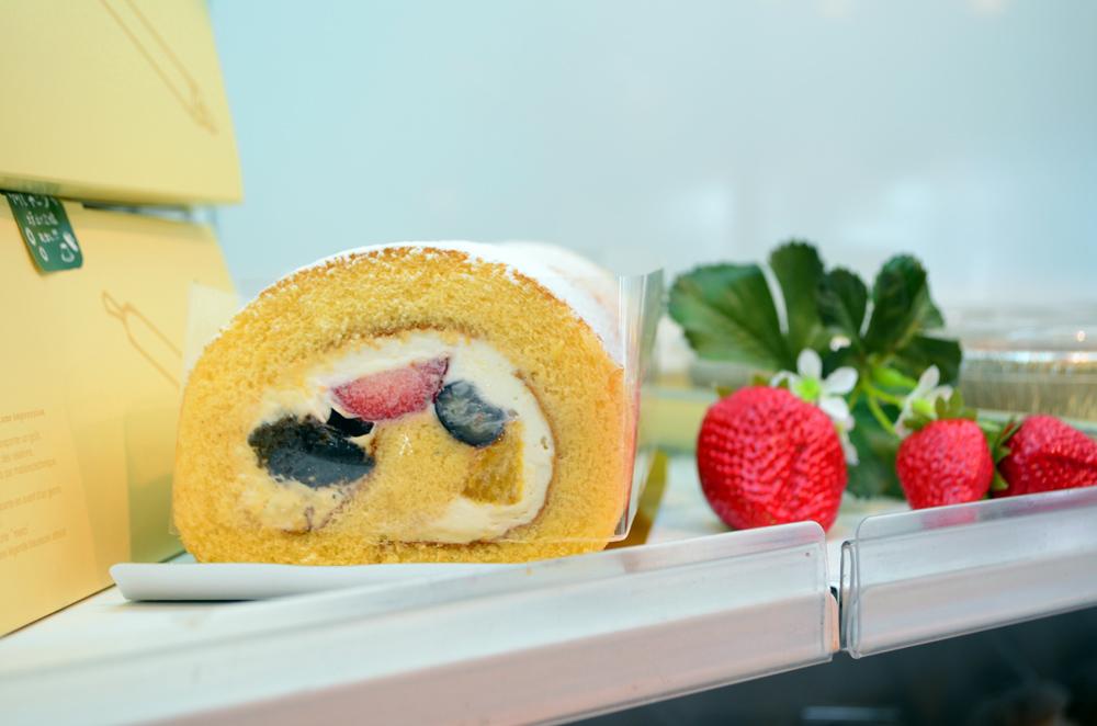 ありあけマルシェ ありあけロールケーキ