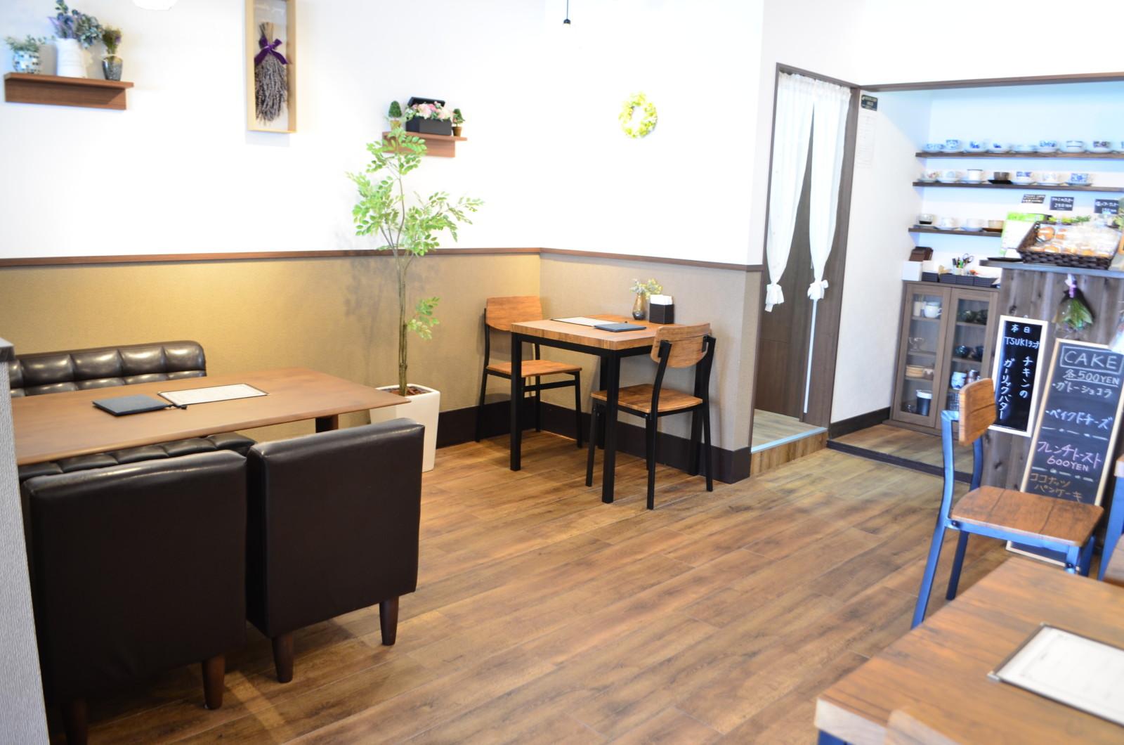 TSUKI CAFE 内観