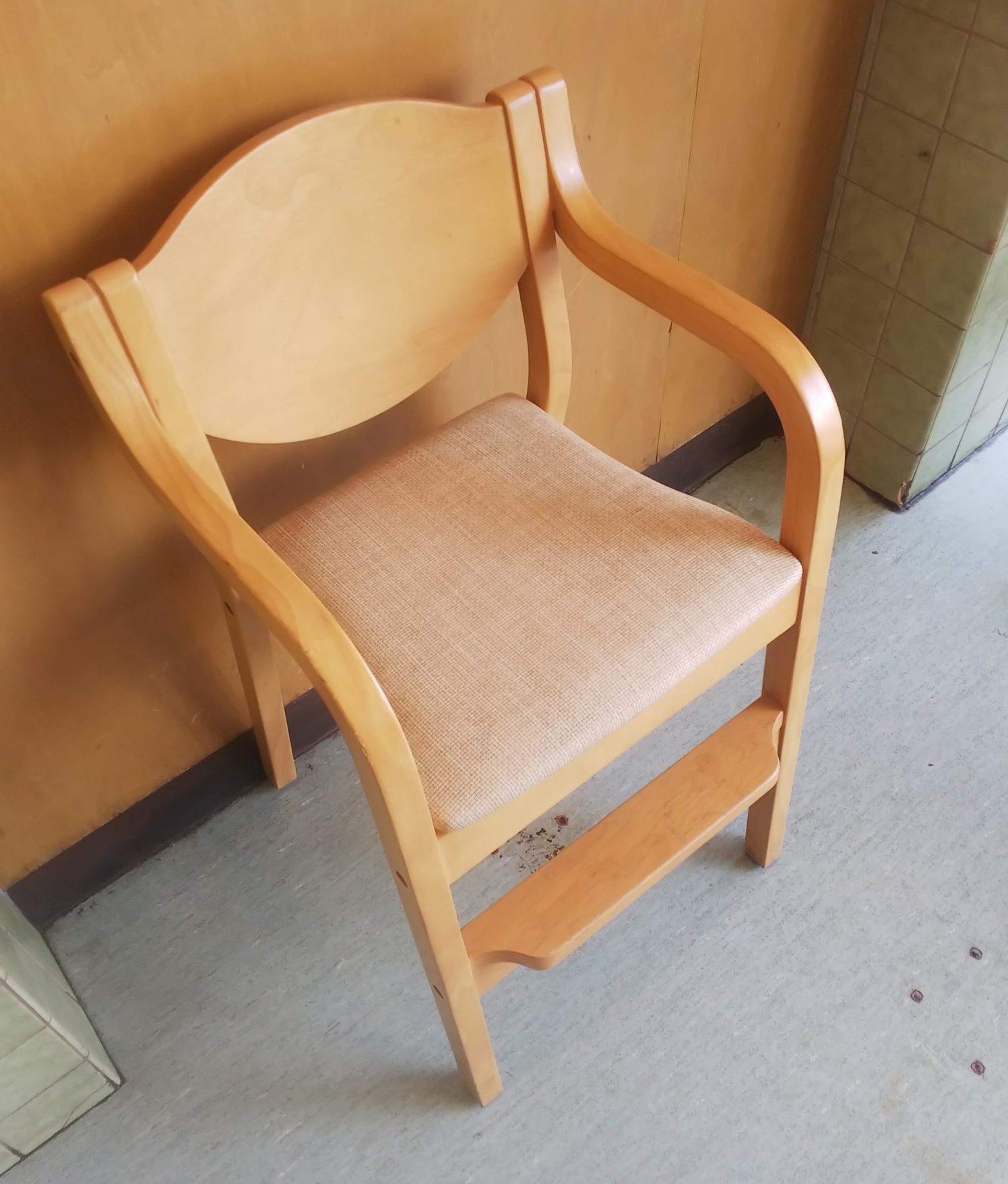 ラーメンGOEN 子供椅子
